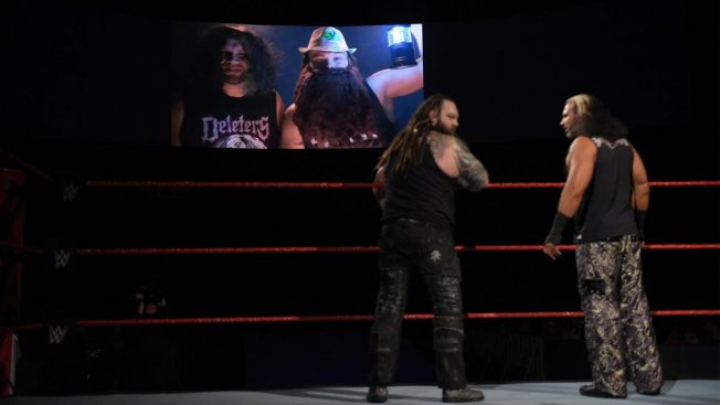 Deleters of Worlds watch Dallas and Axel