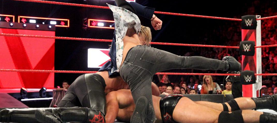 Dolph Ziggler attacks Seth Rollins to prevent him pinning Drew McIntyre