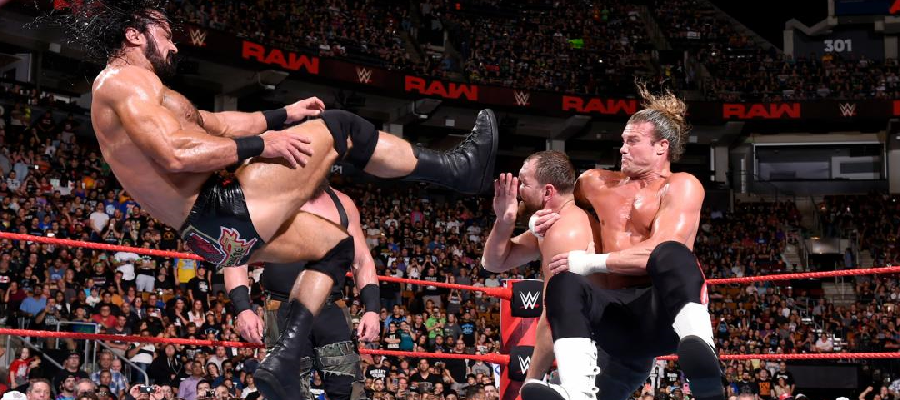 Dean Ambrose takes the Claymore Zigzag combo from McIntyre and ZIggler