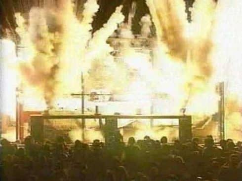 exploding-cage-490x367.jpg