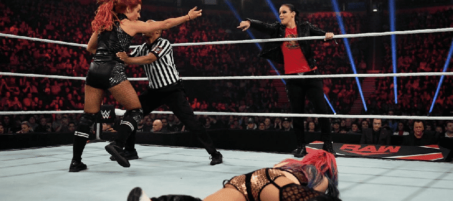 Shayna Baszler distracts Becky Lynch
